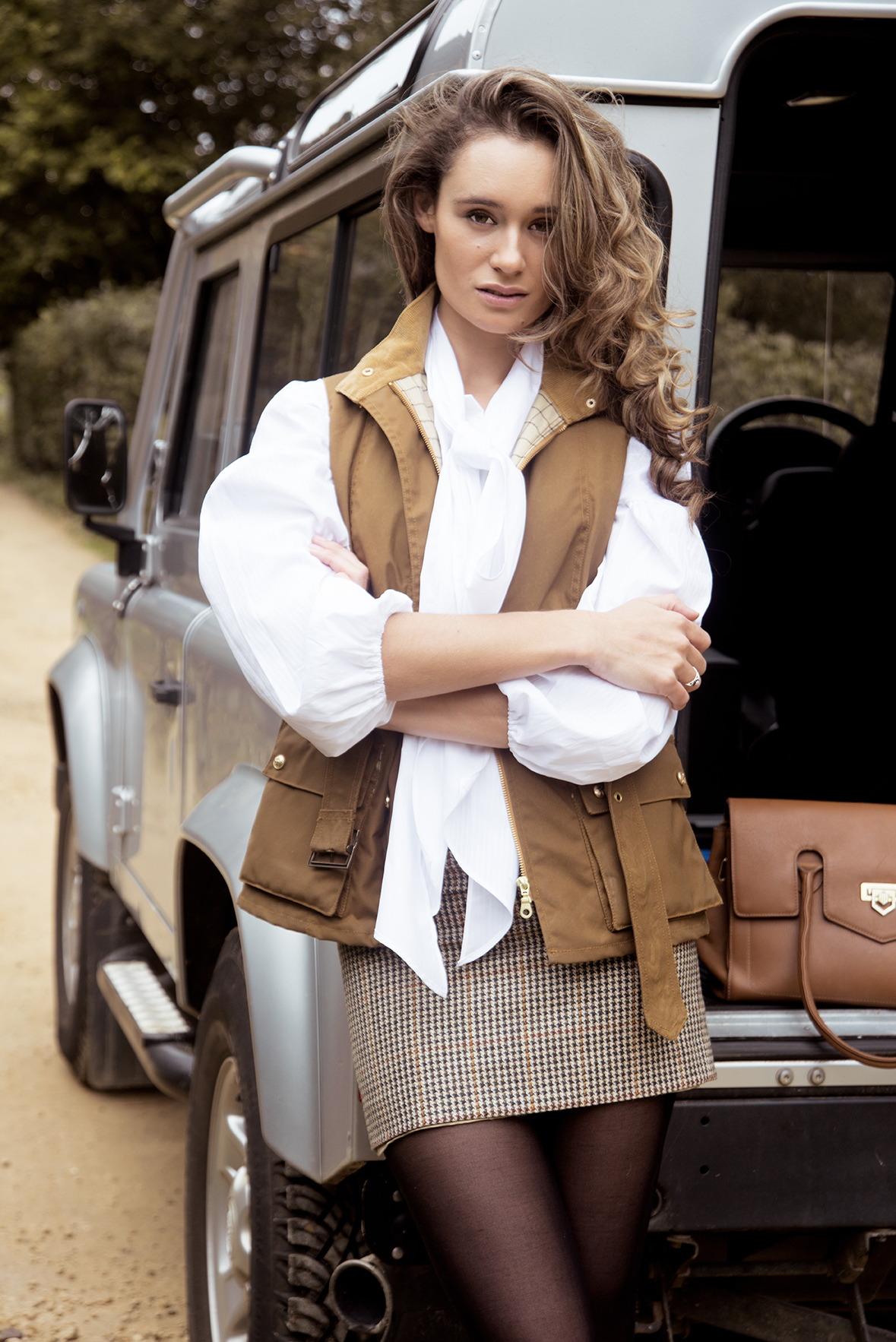 Laura Thyler For Harris Rae Shot by Grace Delnevo Cotswold Fashion Photographer Landrover